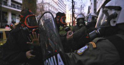 Καταγγελία της ΕΦΕ για αστυνομική βία κατά δημοσιογράφων και φωτορεπόρτερ