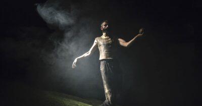 Ριχάρδος Β' σε σκηνοθεσία Έφης Μπίρμπα - Το θέατρο του Σαίξπηρ ως περφόρμανς