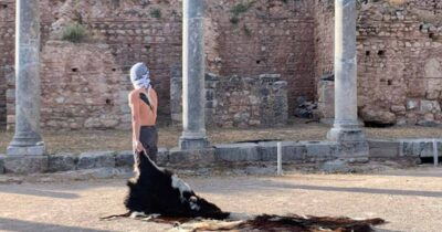 Ρίζωμα [Ρέκβιεμ για τον μη-τόπο] στον Αρχαιολογικό Χώρο των Δελφών
