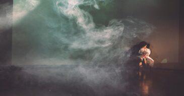«Η Γυναίκα της Ζάκυθος» σε σκηνοθεσία Άντζελας Μπρούσκου - Όταν οι «καθαρές» σκέψεις δημιουργούν άριστες παραστάσεις